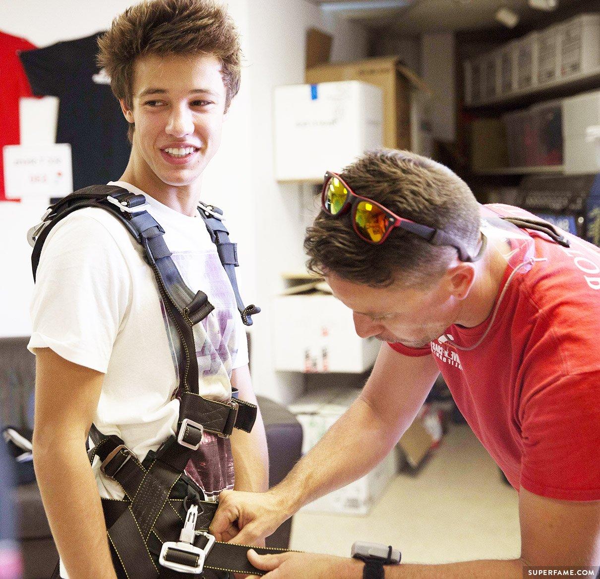 Cameron Dallas' skydiving preparation.