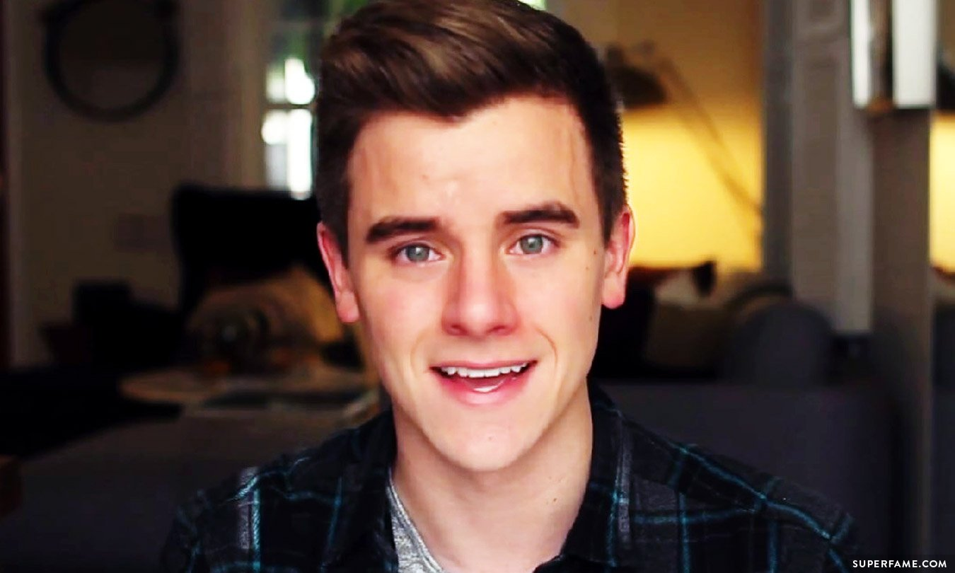 Connor Franta's face.