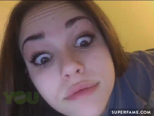 Maggie on YouNow.