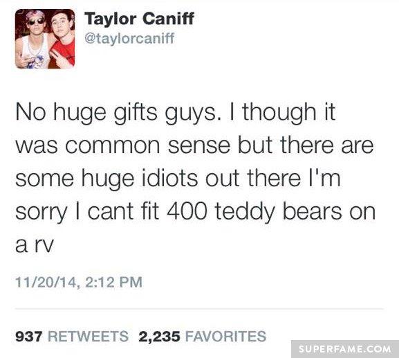 Taylor's deleted tweet.