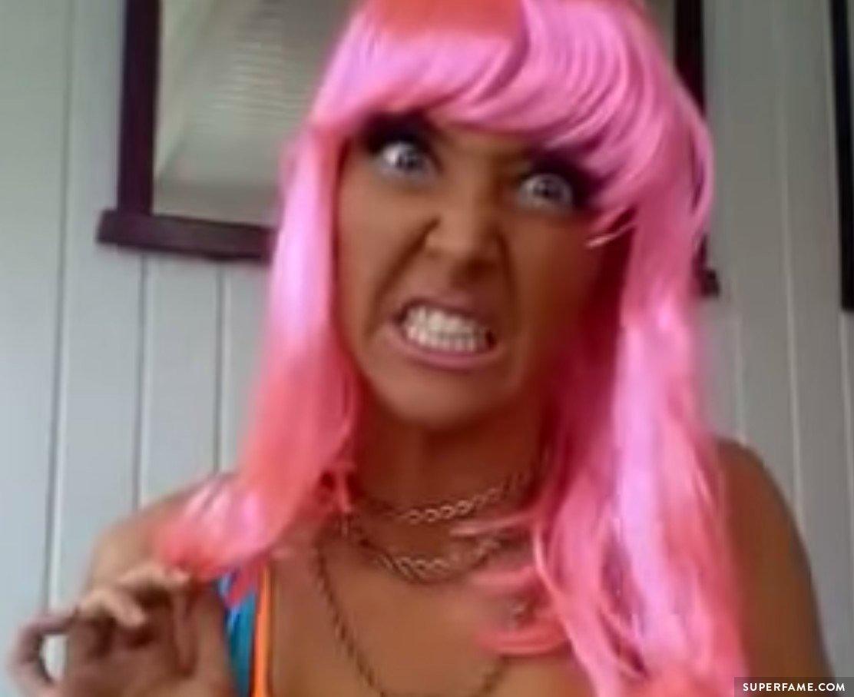 Jenna Marbles racist blackface.
