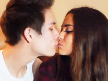 Carter Reynolds kissing Maggie Lindemann.