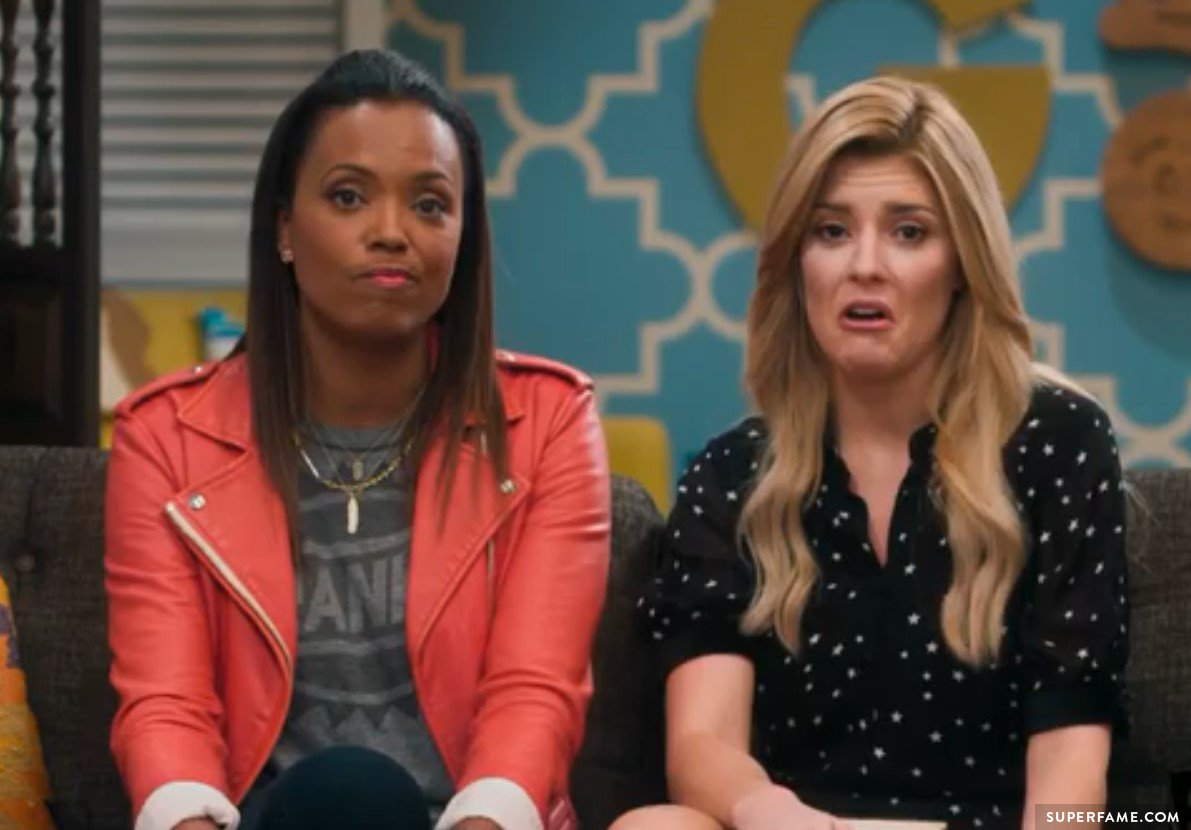 Aisha Tyler talked to Grace Helbig.