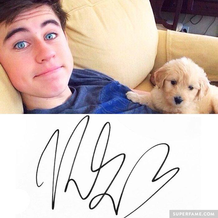 Nash Grier's autographed signature.