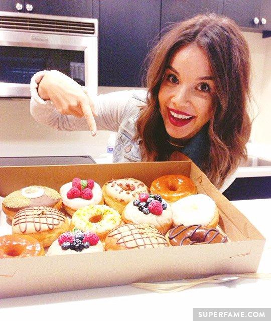 Ingrid Nilsen and donuts.