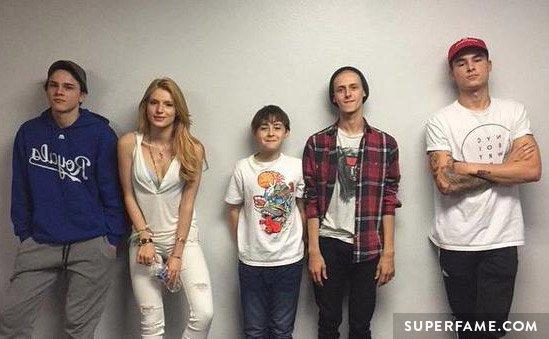 Kian, Bella and the cast.