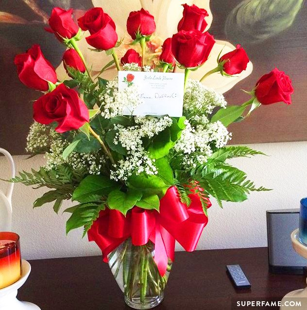 Cameron Dallas sent the fan flowers.