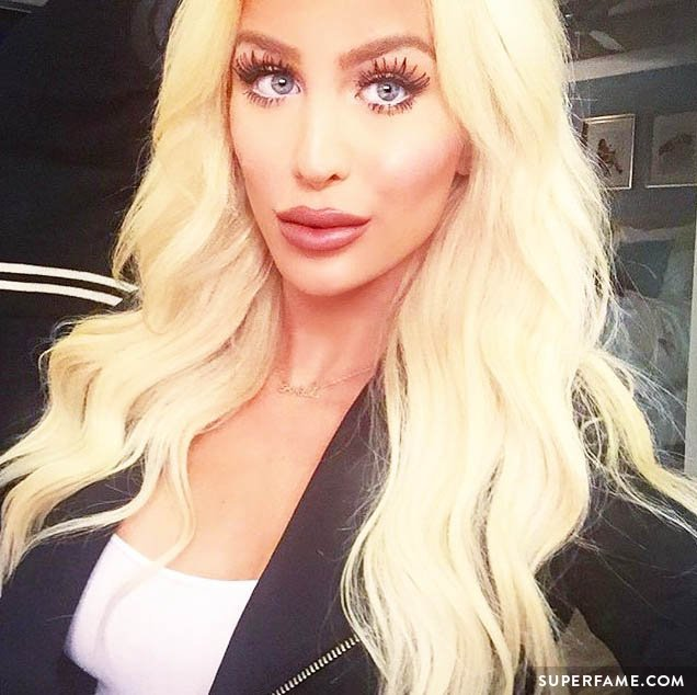 Gigi Gorgeous has given Facetune tutorials. (Photo: Instagram)