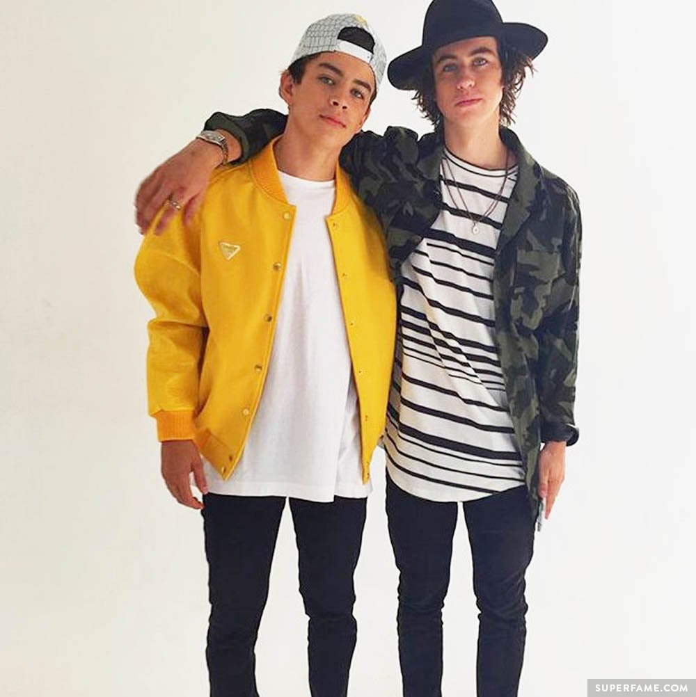 Hayes Grier with his brother Nash Grier.