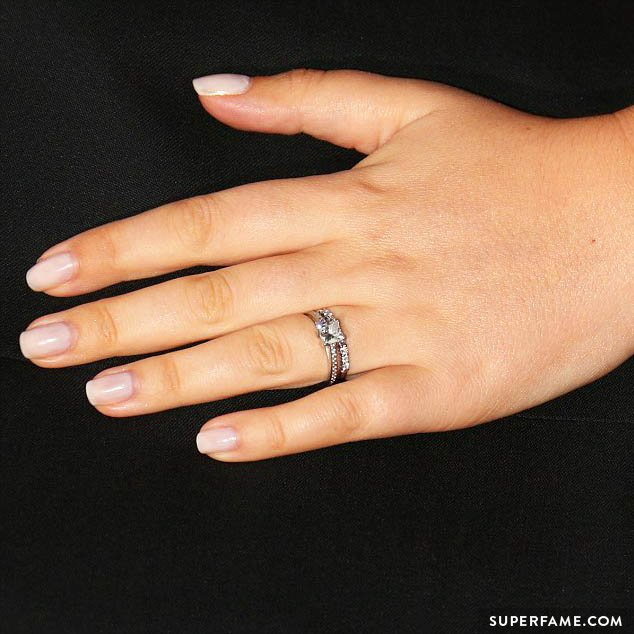 Tanya Burr's engagement ring.