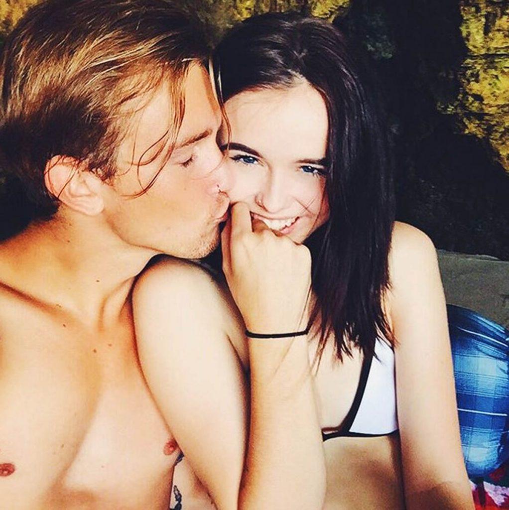 Jairus kisses Acacia.