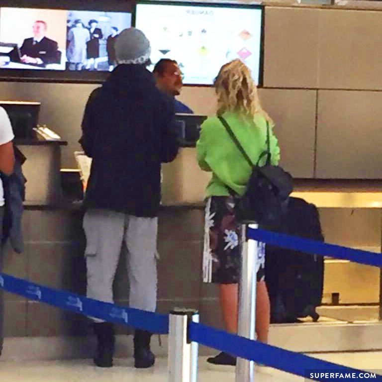 Nash and Taylor get ready for their flight to Paris.