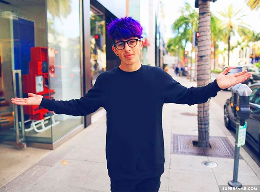 Sam Pepper outside.