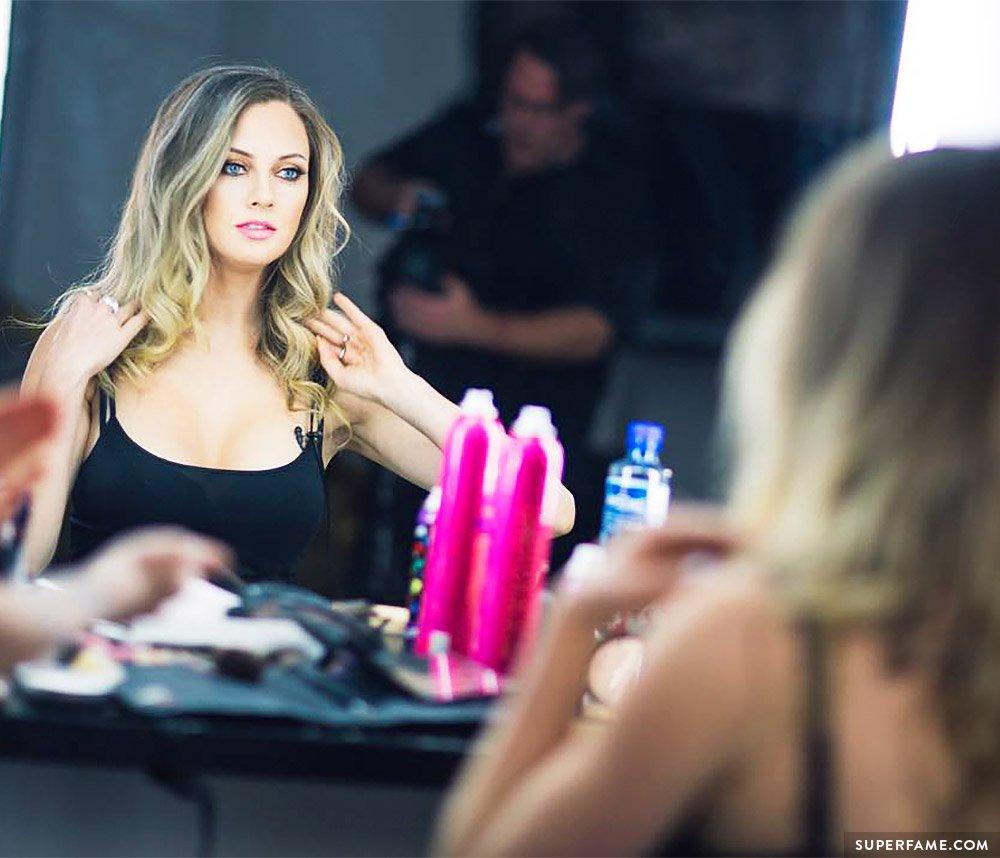 Nicole Arbour's beauty.