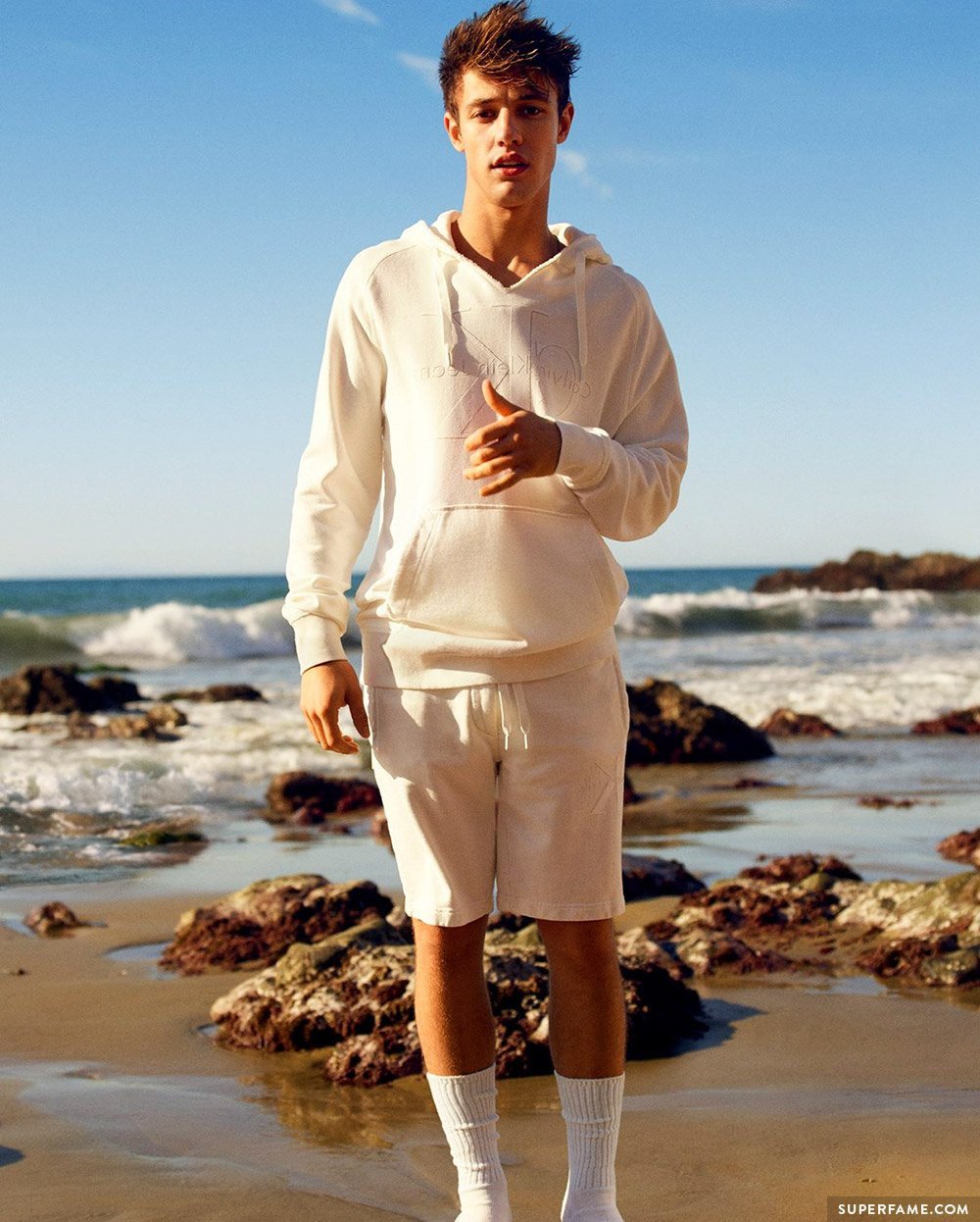 Cameron Dallas fashion.