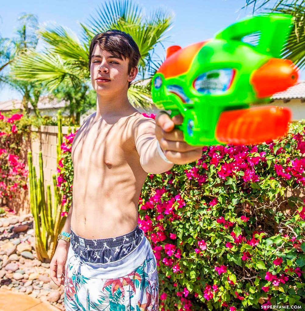 Hayes Grier shirtless.
