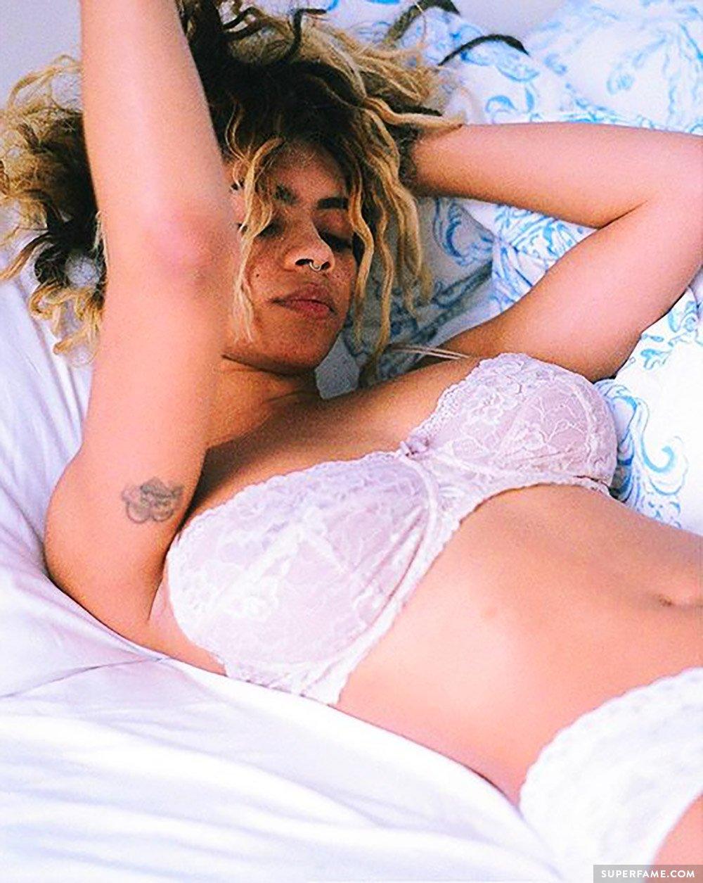 Taylor Giavasis nude?