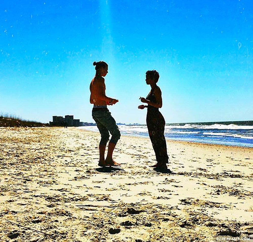Nash and Taylor at the beach.