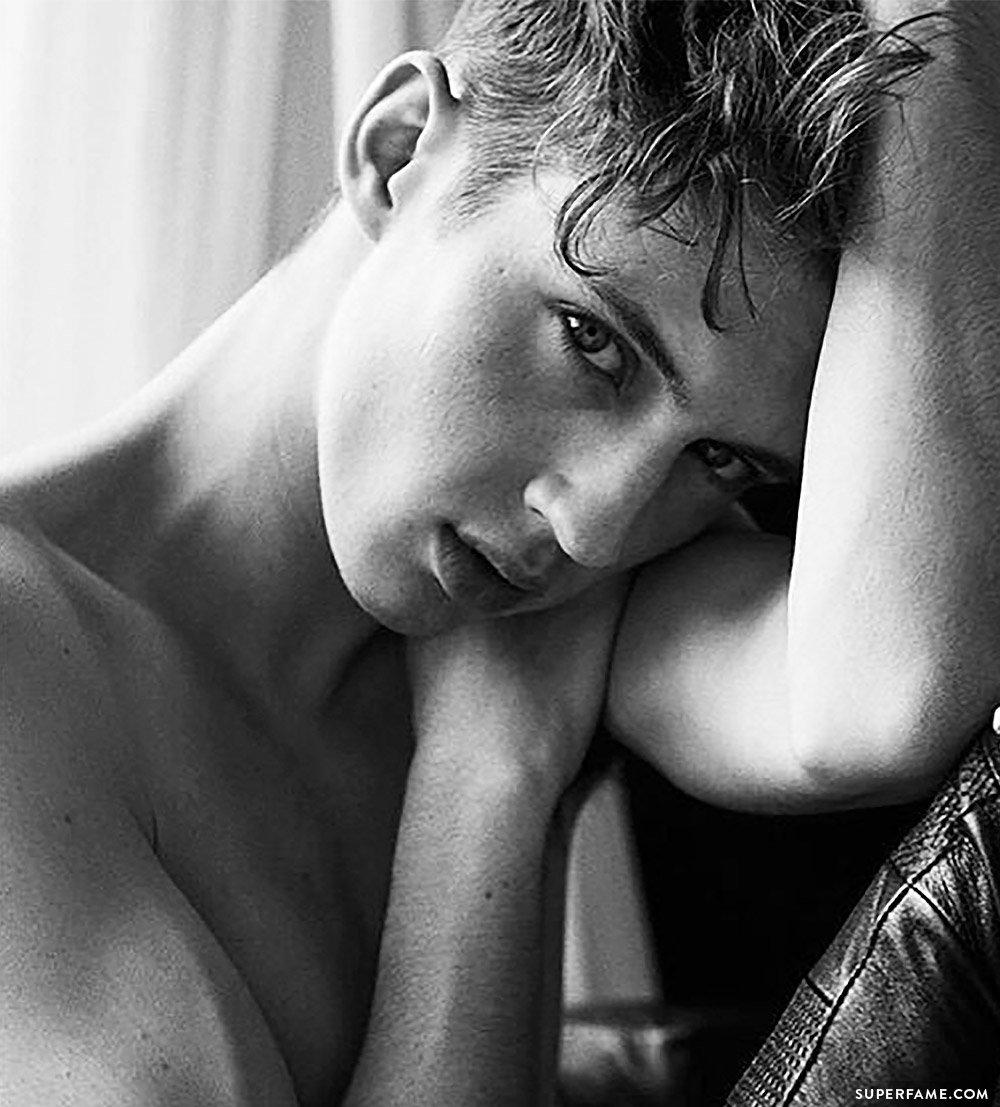 Troye Sivan shirtless.