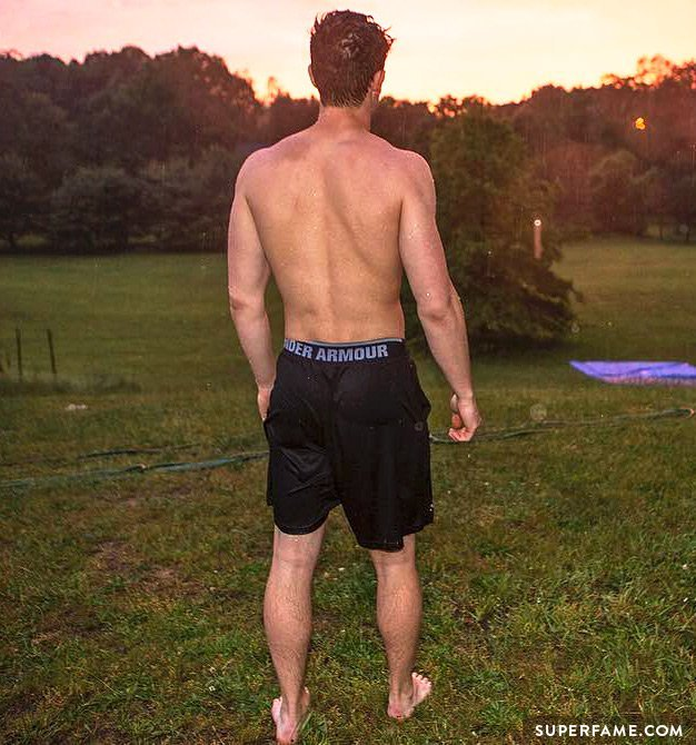 Shawn's muscle back.