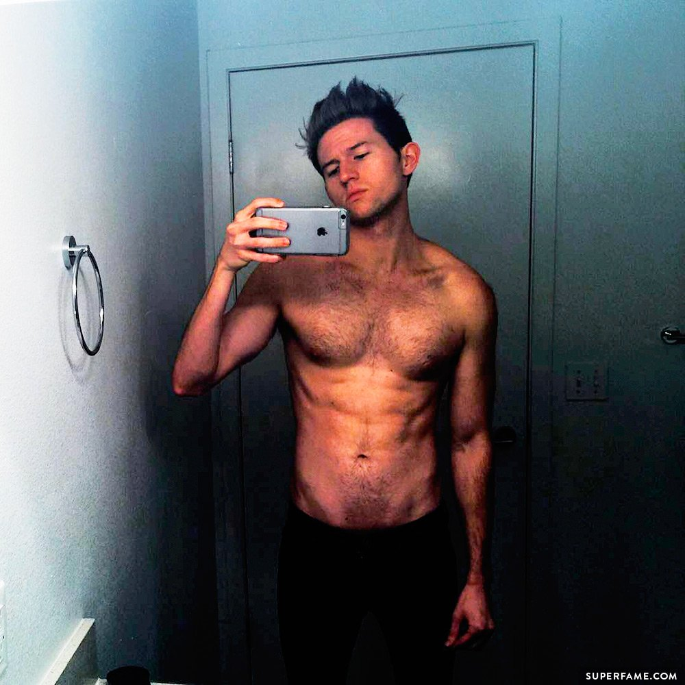 Ricky Dillon shirtless abs.