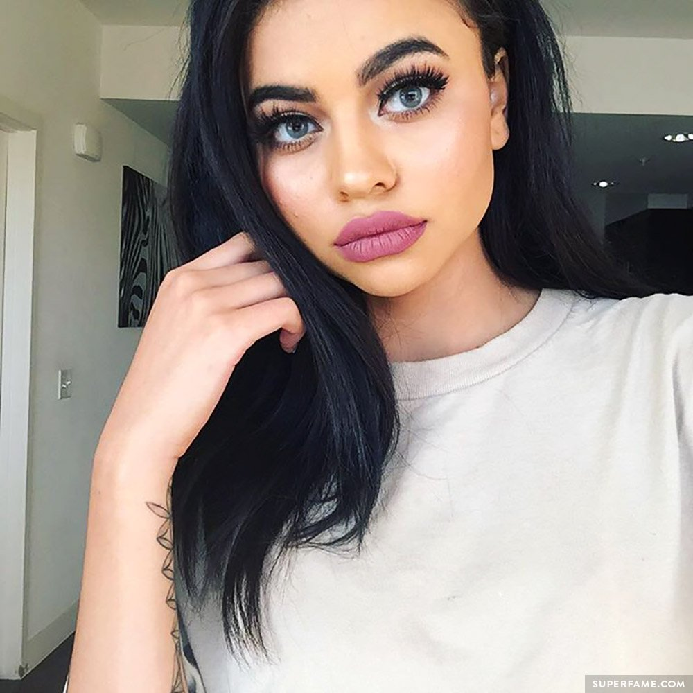 Simplynessa15.