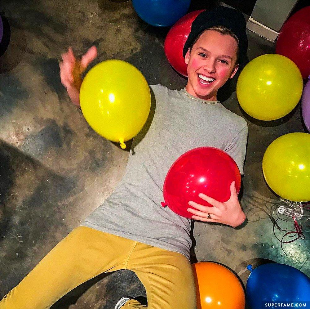 jacob-sartorious-balloon