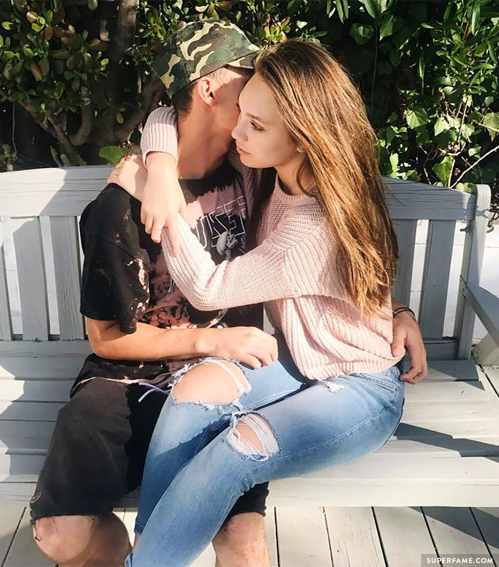 Maddie Ziegler Makes It OFFICIAL With Boyfriend Jack Kelly ...