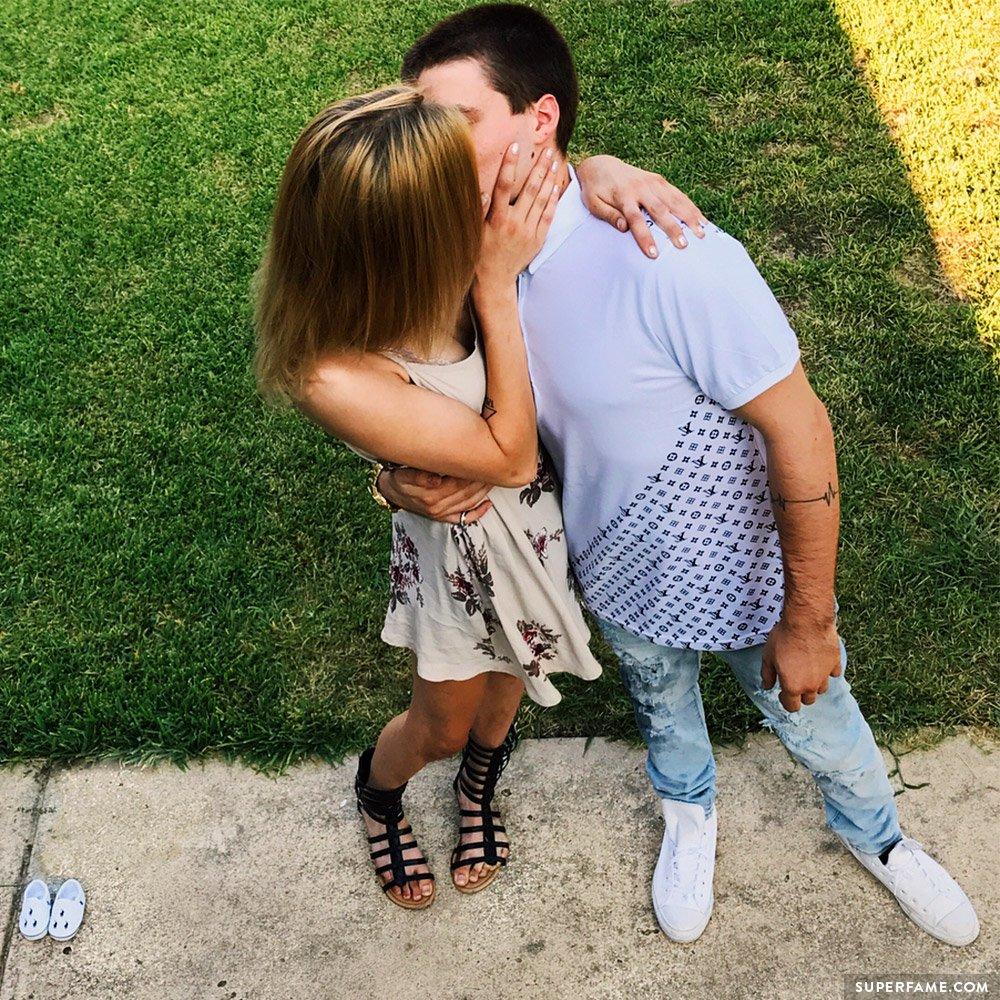 Maddie Welborn kissing Tyler.