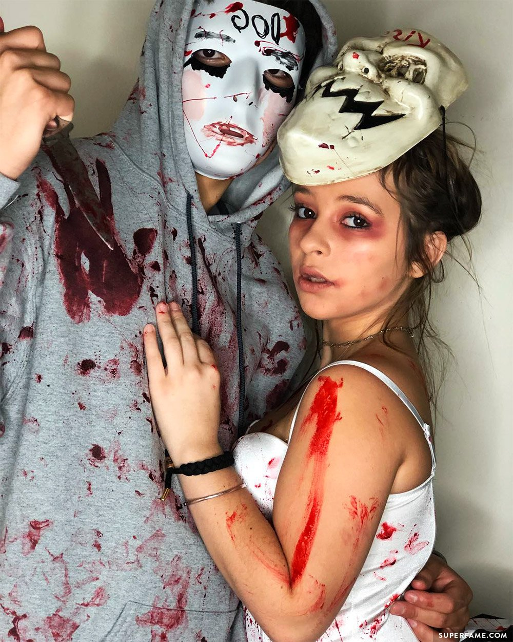 see what 150 youtubers did for their halloween costumes this year!